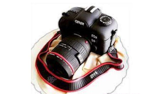 فیلم مراحل ساخت یک کیک تولد به شکل دوربین عکاسی