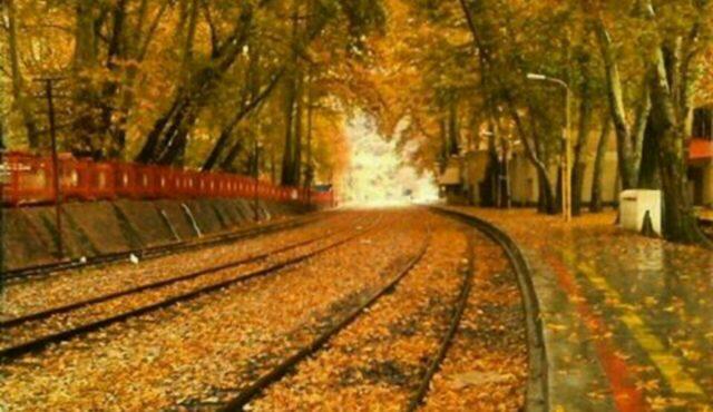 ایستگاه راهآهن بیشه در پاییز