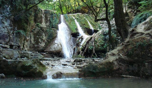 تور طبیعت گردی آبشار آقسو در استان گلستان
