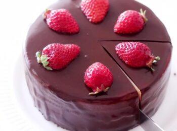 دستور العمل آسان طرز تهیه کیک شکلاتی خامه ای
